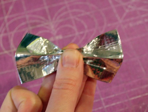 duct_tape_bow_09