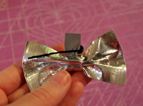 duct_tape_bow_12