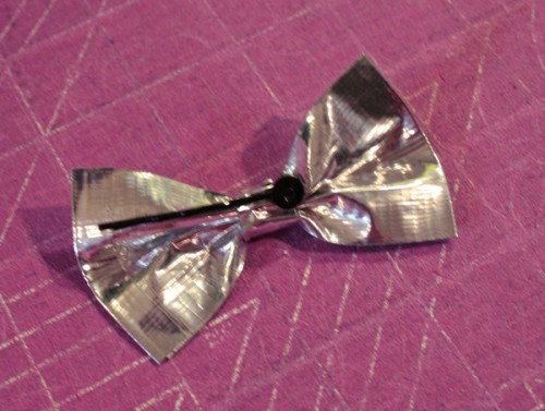 duct_tape_bow_13