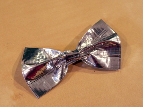 duct_tape_bow_14