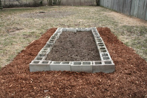 How_to_cinderblock_raised_beds_06