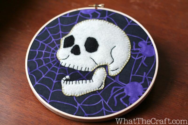 Halloween_embroidery_hoop_art_02  WhatTheCraft