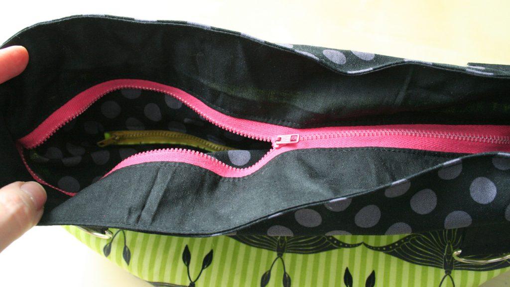 7aa89781da08 How To Make a Bag with a Zipper – WhatTheCraft